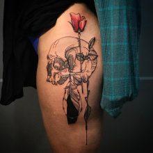 Thigh skull tattoo by Simon Halpern at 1 Point Tattoo