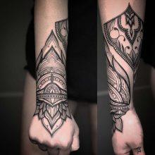 Wrist mandala tattoo by Simon Halpern at 1 Point Tattoo
