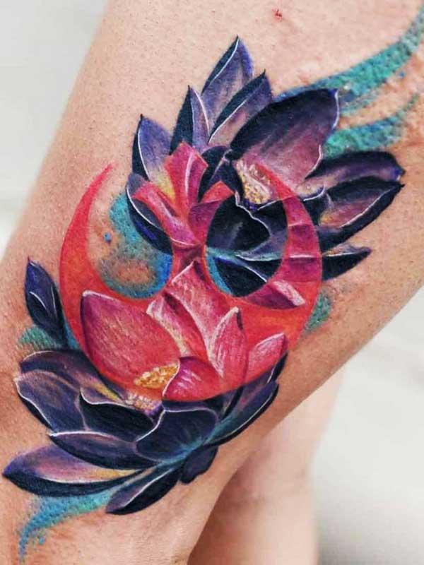Robert Bennett flower on leg tattoo